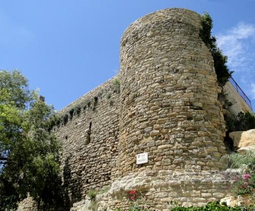 remparts, Vaucluse, Faucon,